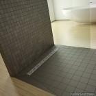 Душова плита Radaway прямокутна (1090x790) з лінійним трапом вздовж довгої сторони під кахель 5-7 мм